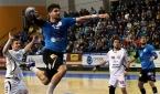 Milan Škvařil překonává obranu Lovosic