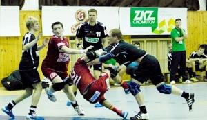 Bojovné a napínavé bylo utkání mezi Duklou a Karvinou.